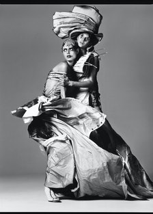 Malgosia Bela and Gisele Bundchen, 2000. Photo by Richard Avedon.