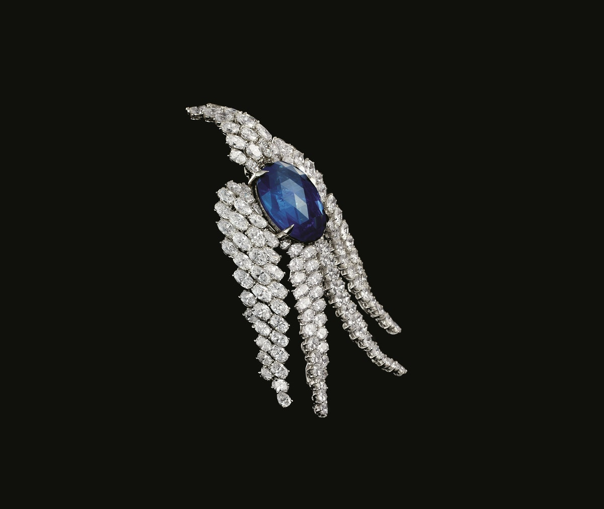 Sapphire and diamond bird clip, 1975. Design by Alexandre Reza. Courtesy of Alexandre Reza.