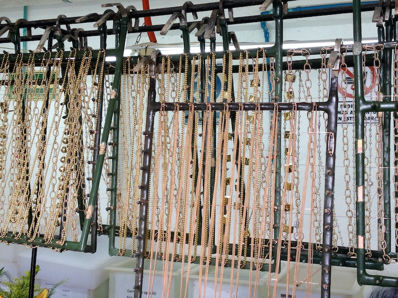 dyed-chains--factory