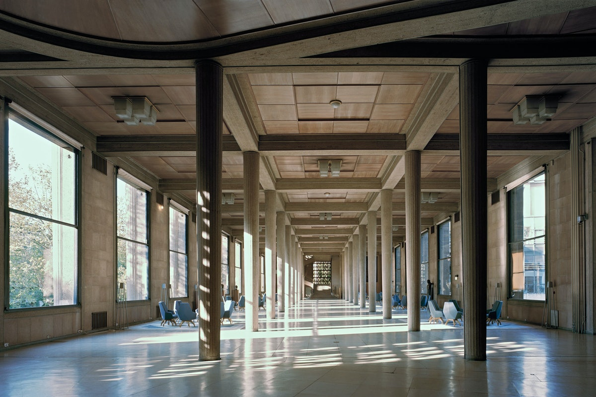 Palais d'Iéna, Paris ESEC headquarters Hypostyle room. © Benoît Fougeirol.