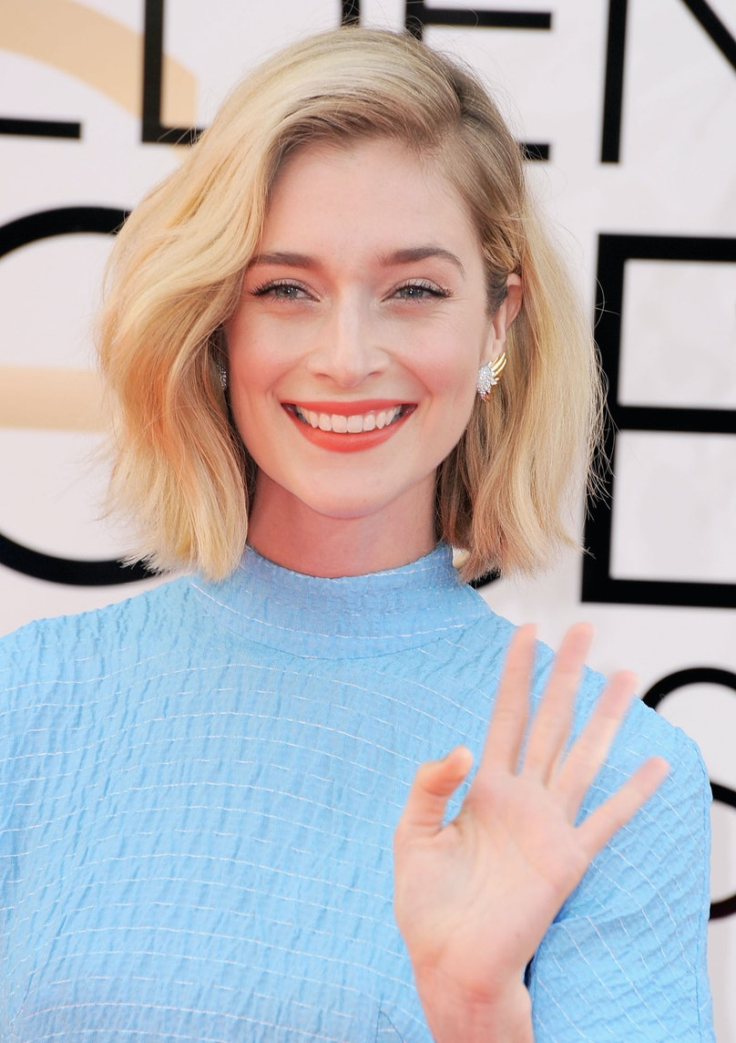 """The """"Masters of Sex"""" actress __Caitlin Fitzgerald__'s rough bob looked so pretty and her orange sherbet lip was the perfect match to her buttery blonde."""