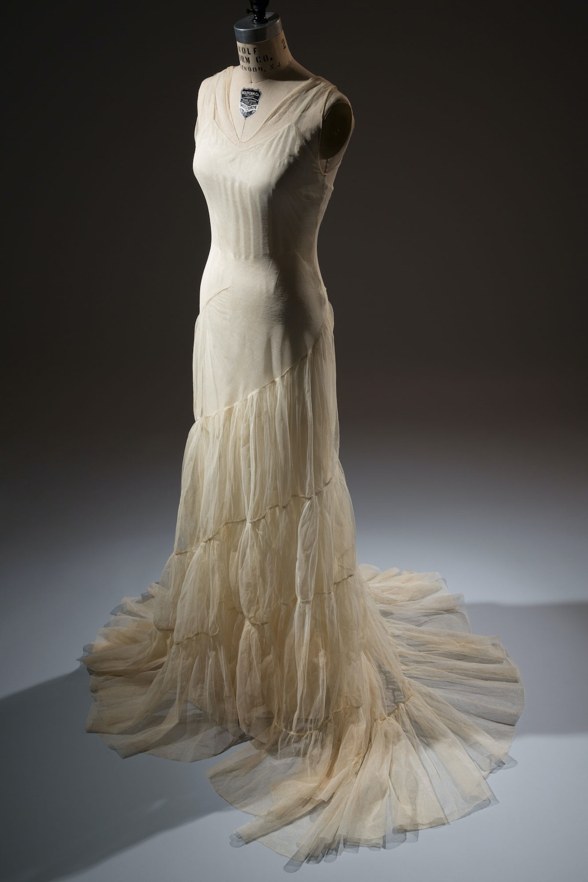 Augustabernard evening gown    Putting a name to this technically rigorous dress took some detective...