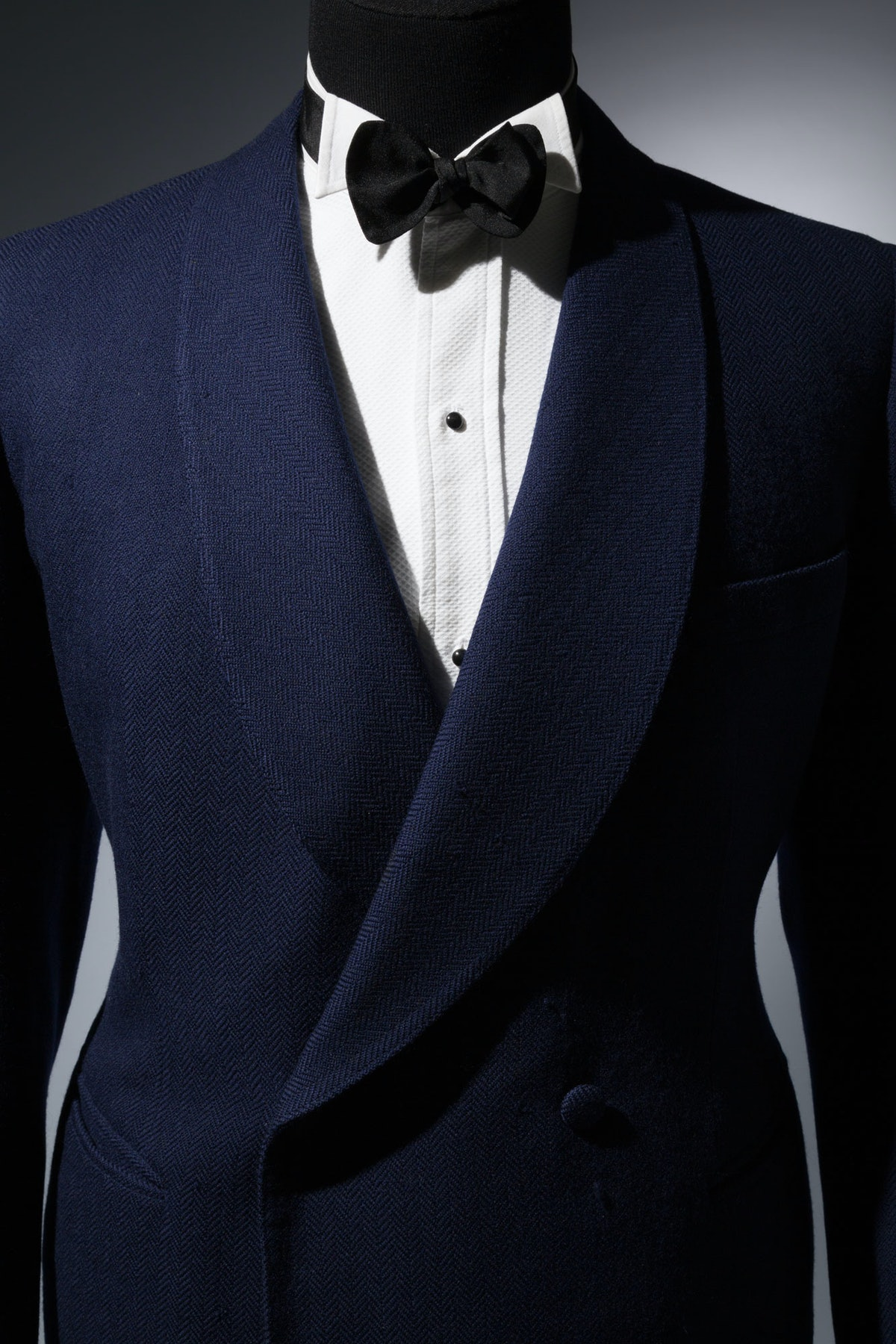 """Blue Knize dinner jacket    """"Midnight blue dinner jackets were popularized in the early 1930s by the..."""