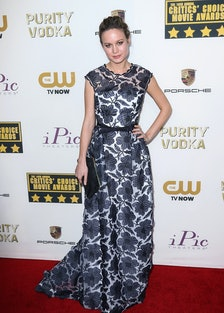 Larson stood out from the crowd at the Critics' Choice Awards in a high-neck Escada gown and a smoky...