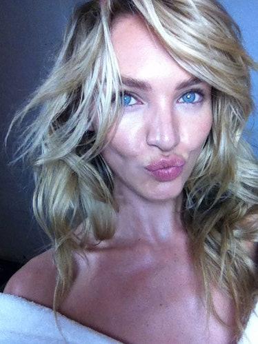 Candice Swanepoel selfie