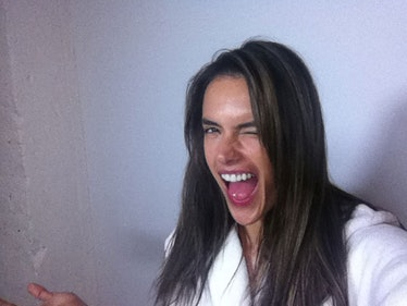 Alessandra Ambrosio selfie
