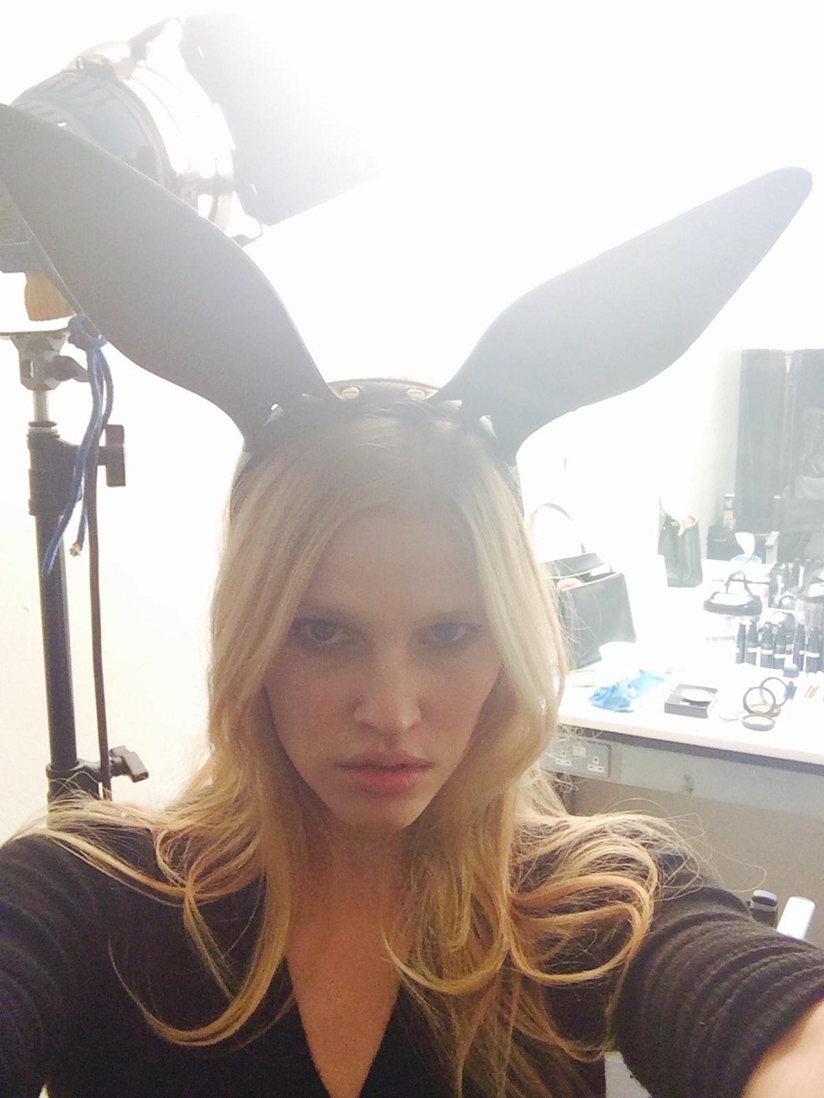 lara stone selfie