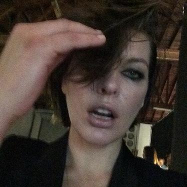 Milla Jovovich selfie