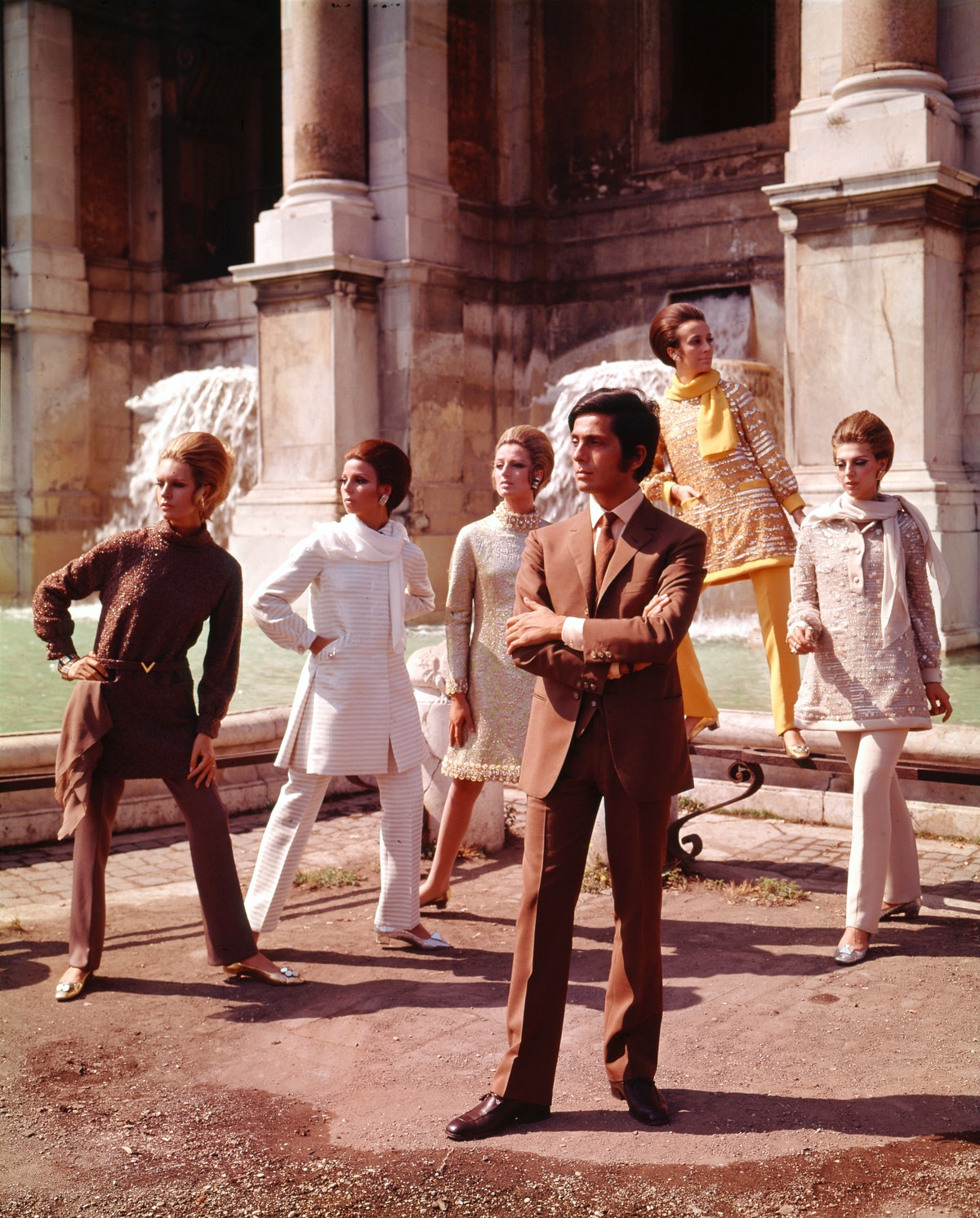 Valentino with models, 1967
