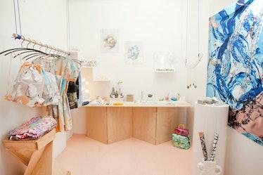 Handjob Gallery and Shop