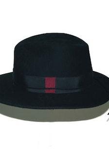 Anda and Masha hat
