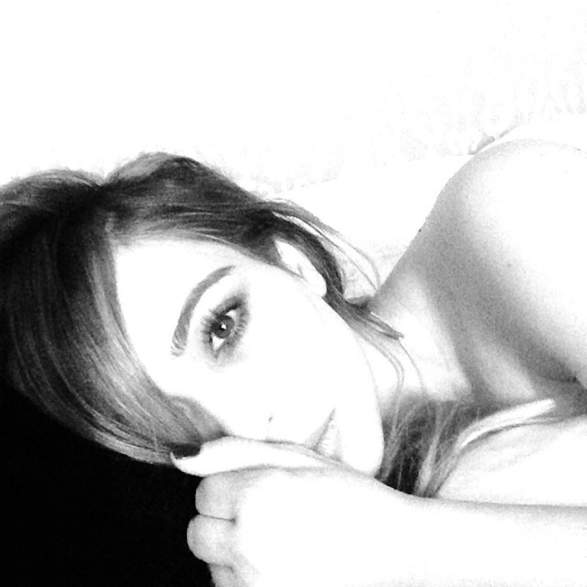kim-kardashian-selfie-black-and-white
