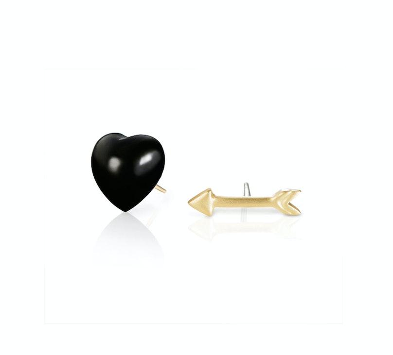 Finn black heart & arrow studs