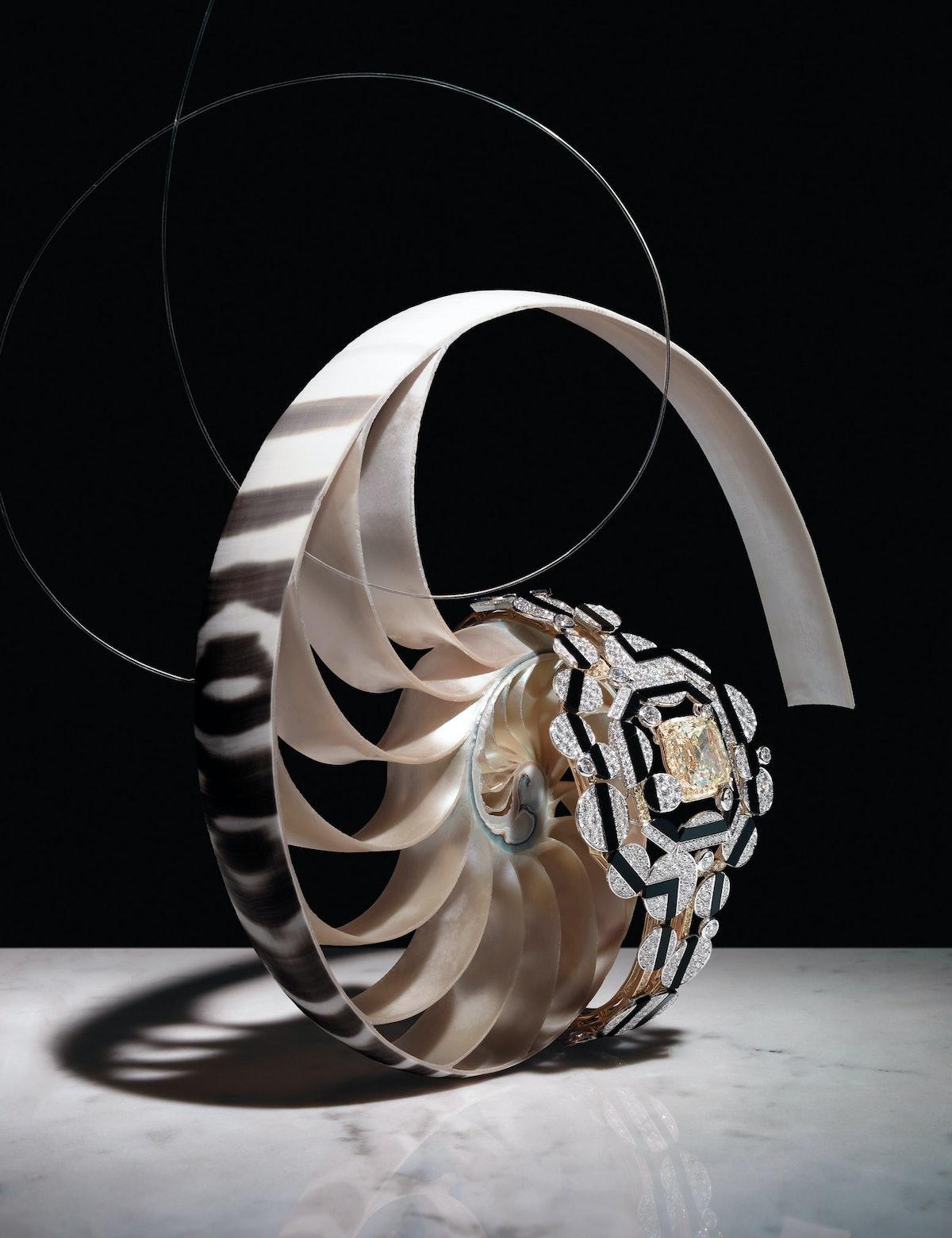 Shell, Chanel Fine Jewelry bracelet
