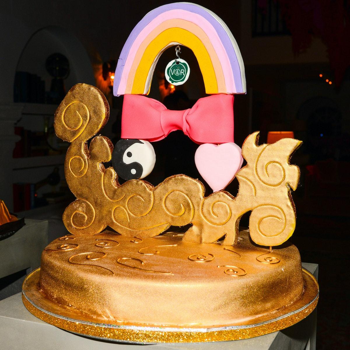 Viktor & Rolf's cake