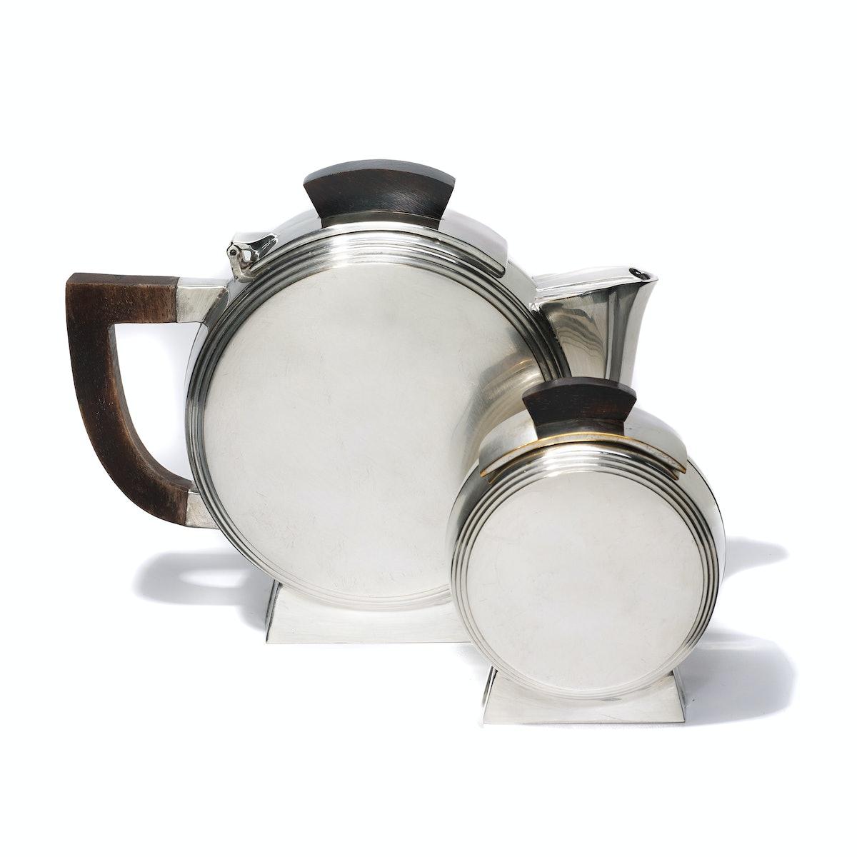 Hôtel vintage tea set