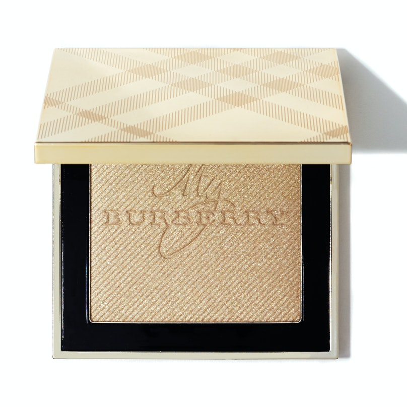 Burberry Gold Glow powder in Gold