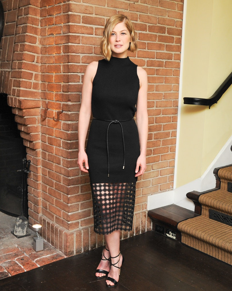 "Rosamund Pike attends the ""Out of Towners Dinner"" at the Chateau Marmont, hosted by Charles Finch and Mulberry"