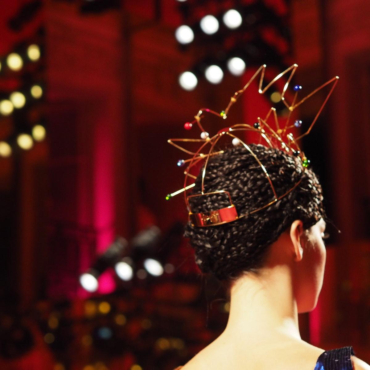 A golden headpiece at Schiaparelli Spring 2015 couture