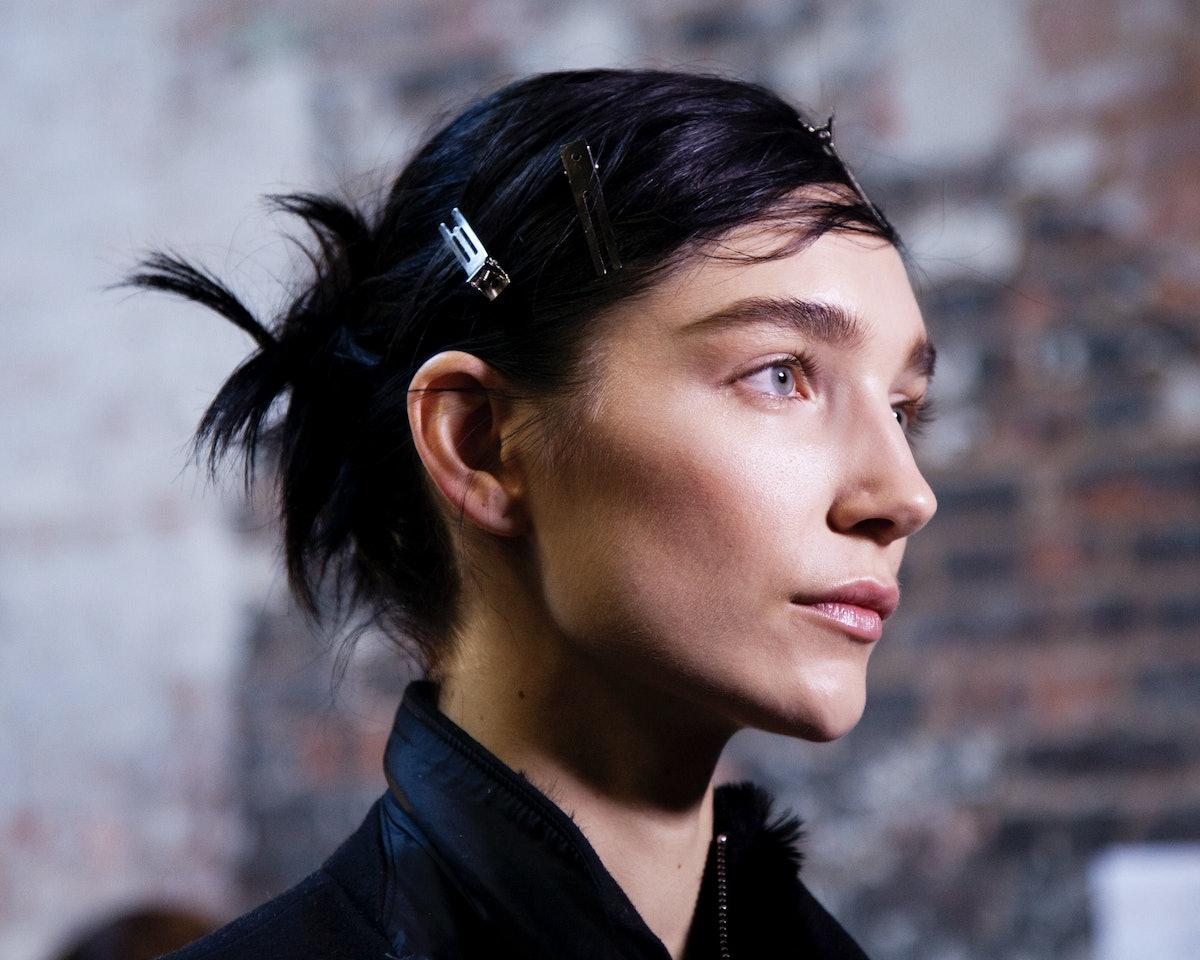 Vera Wang Fall 2015 Backstage Beauty
