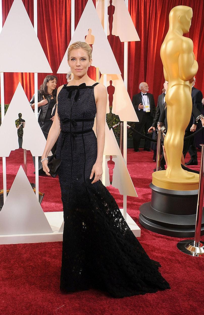 Sienna Miller in Oscar de la Renta Fall 2015