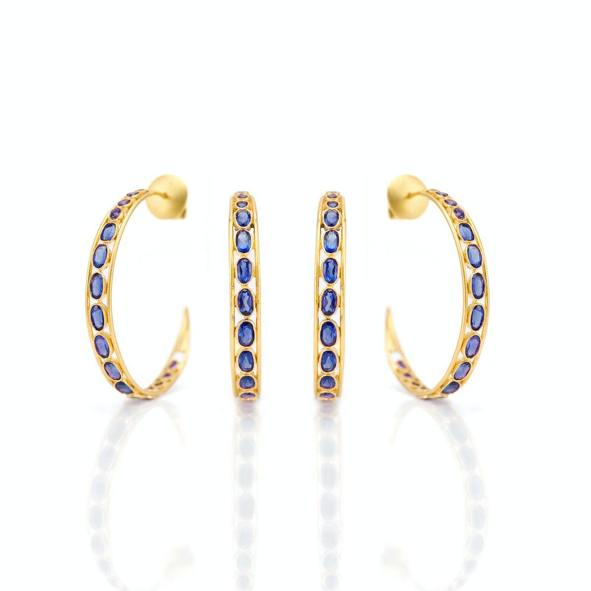 Lauren Harper Collection 18k gold and blue sapphire hoops