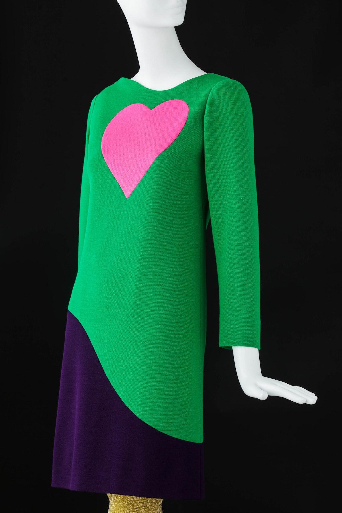 (4) Cocktail dress. Inspired by Pop Art ©Fondation Pierre Bergé – Yves Saint Laurent Sophie Carre