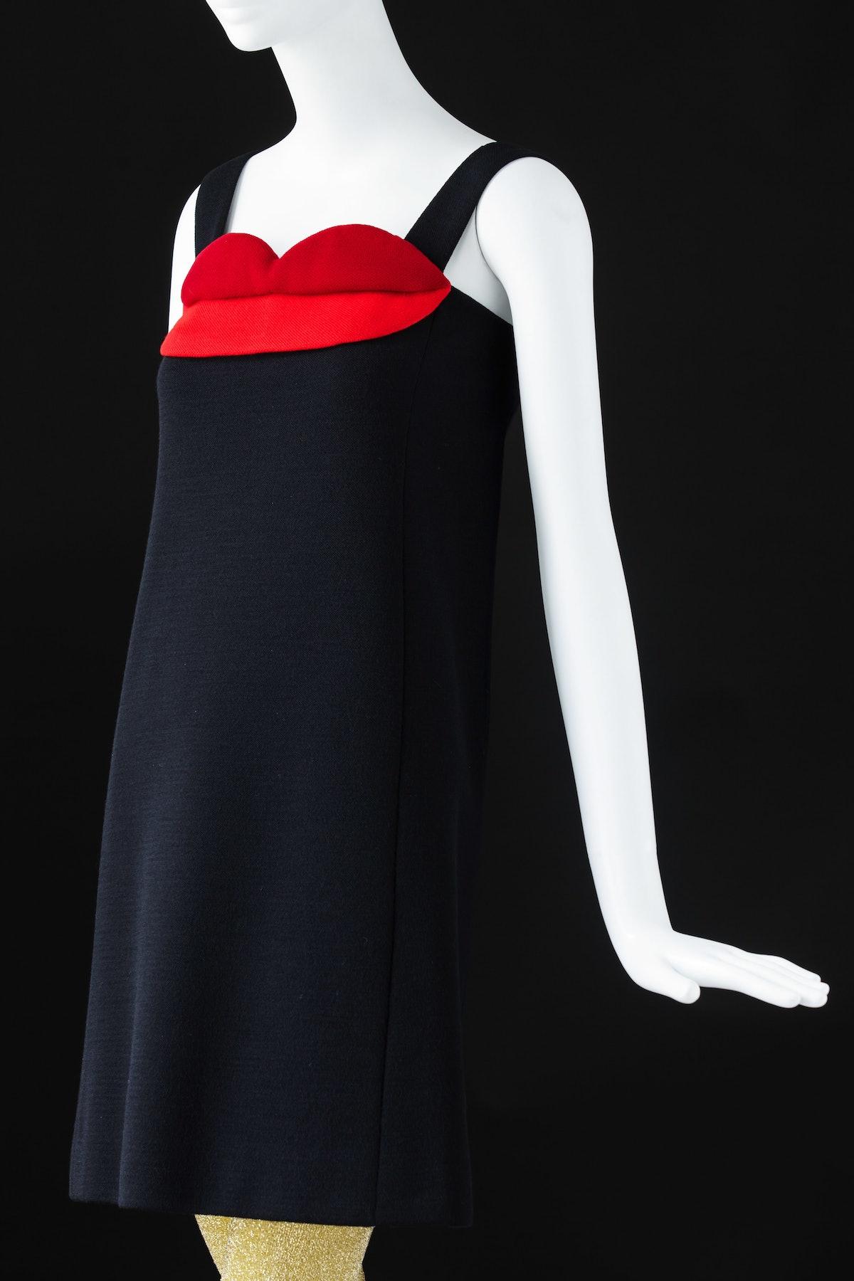(3) Cocktail dress. Inspired by Pop Art- ©Fondation Pierre Bergé – Yves Saint Laurent Sophie Carre