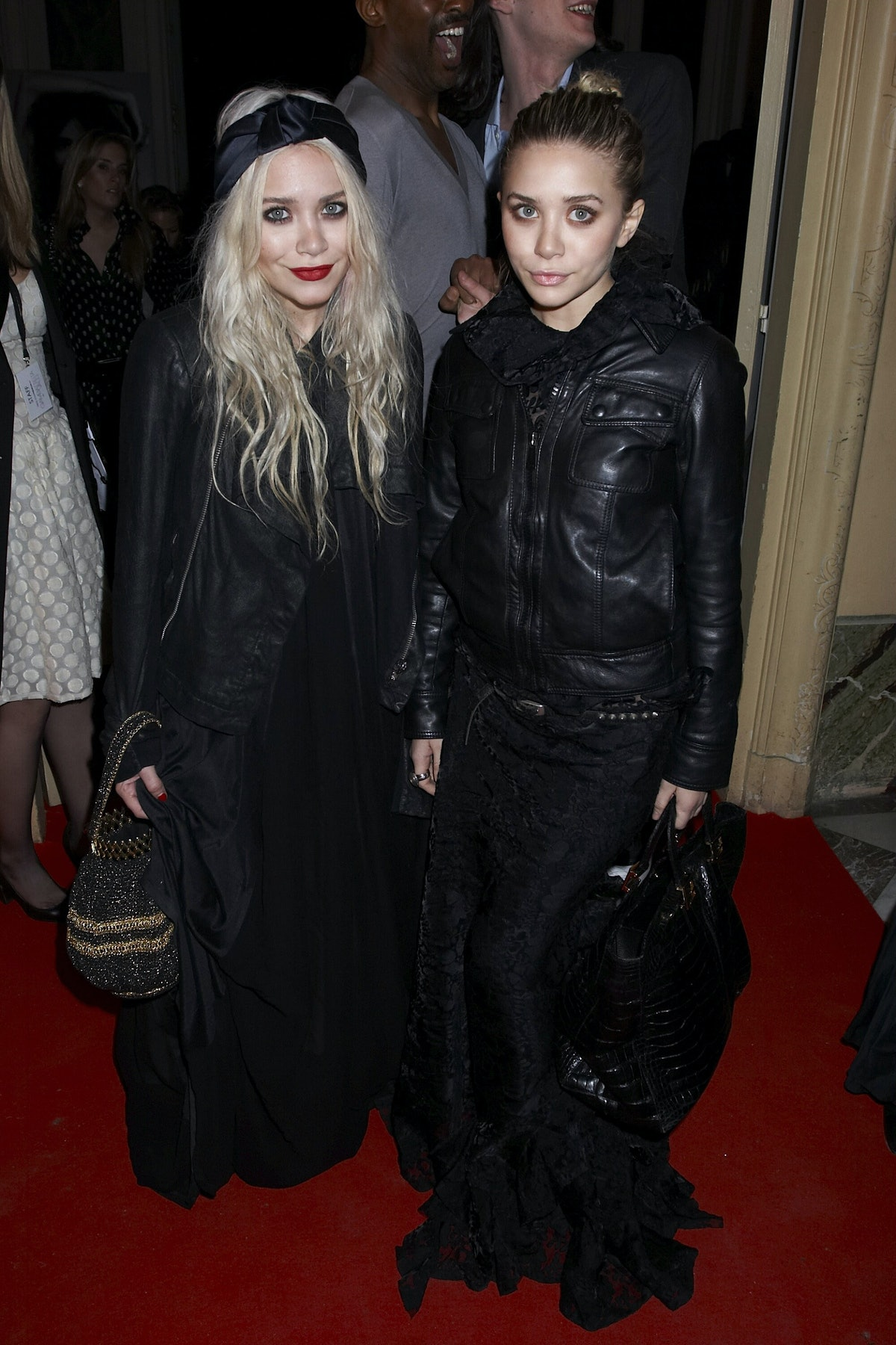 Paris Fashion Week Mary kate and ashley olsen twins