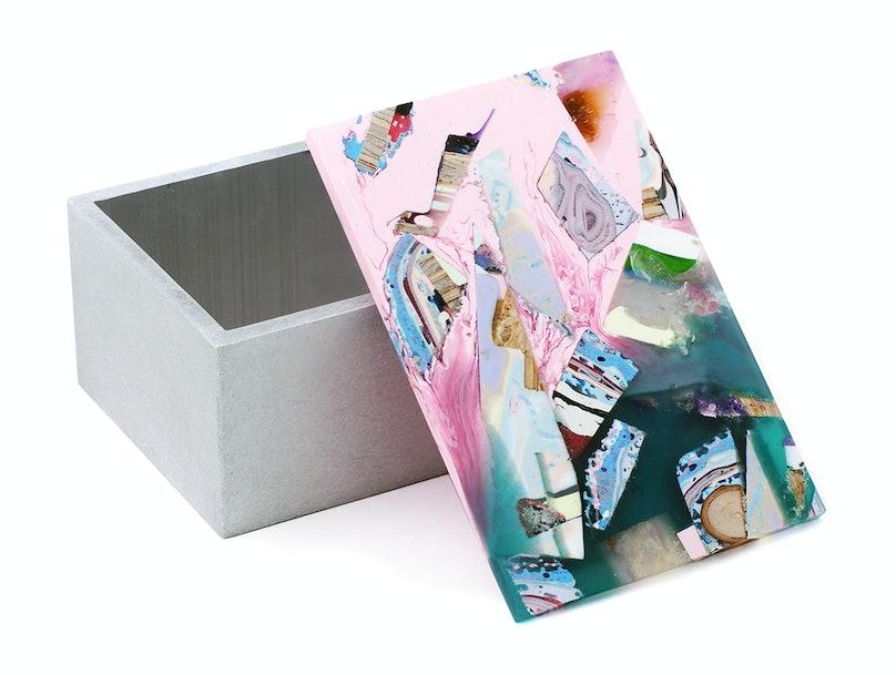 Chen Chen and Kai's snuff box