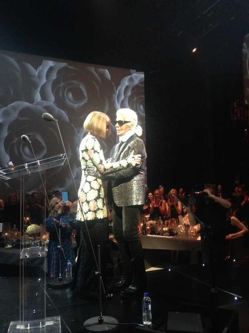 Winners if the Best Hug of the night Karl Kagerfeld and Anna Wintour