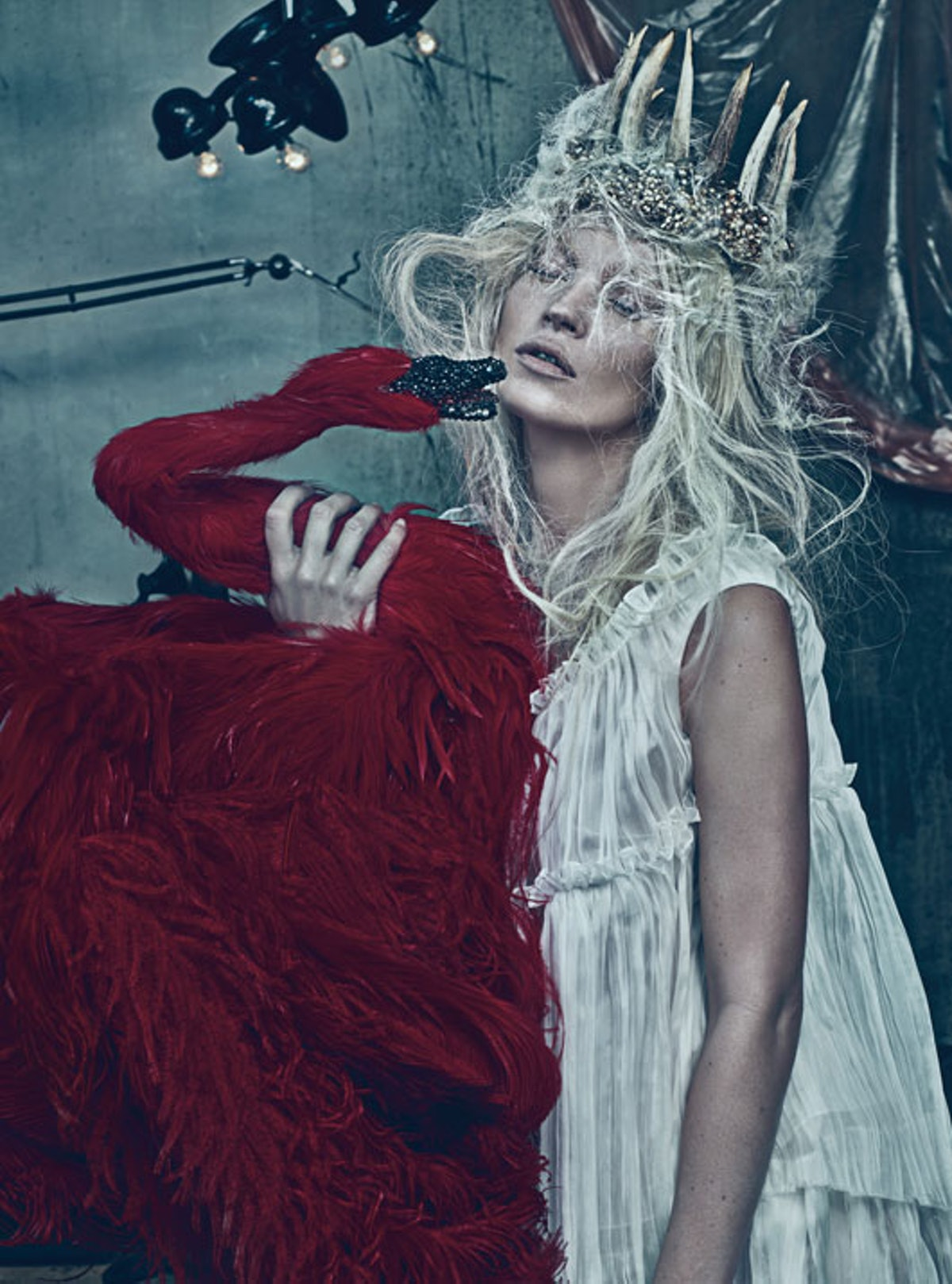 fass-kate-moss-cover-story-march-2012-04-l