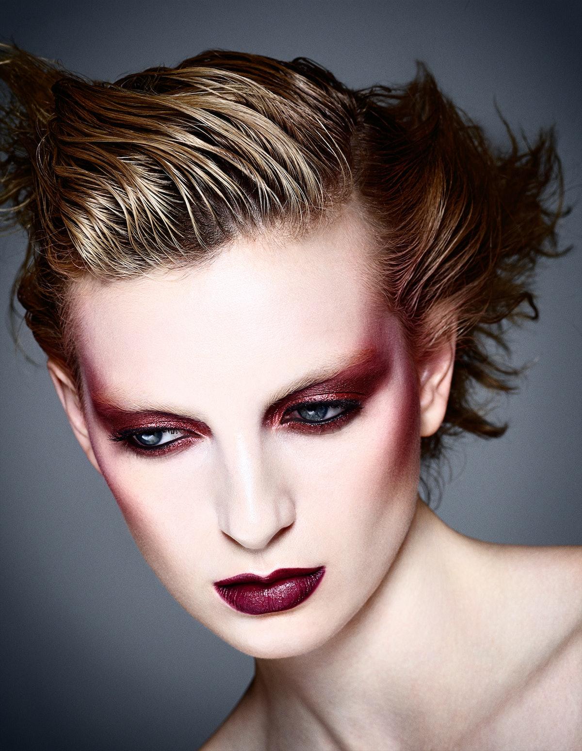How to Wear Glitter Eyeshadow