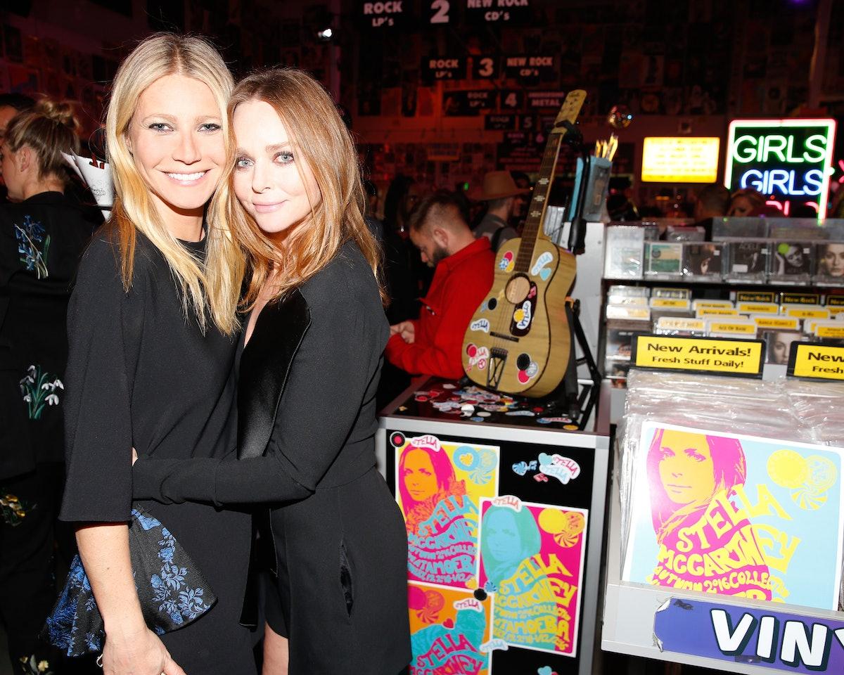 Gwyneth Paltrow and Stella McCartney MCCARTNEY : AUTUMN 2016 PRESENTATION