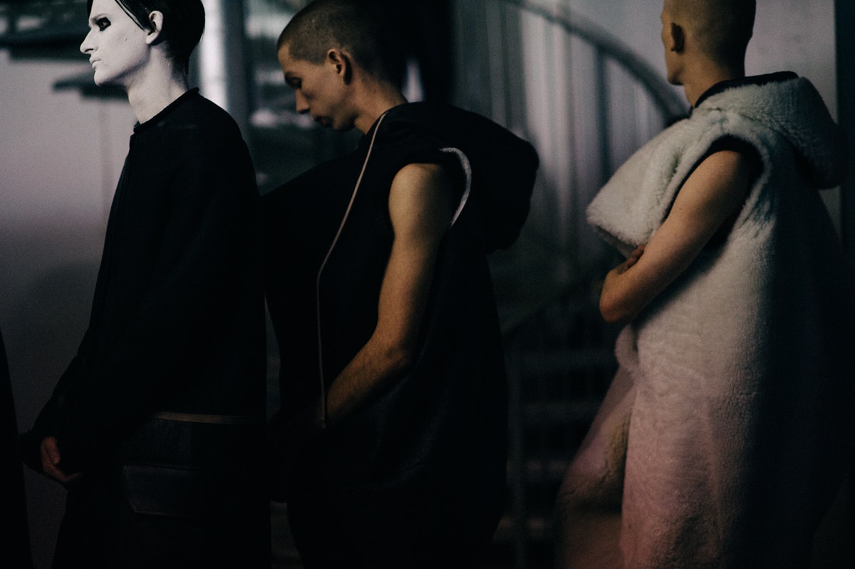 Le-21eme-Adam-Katz-Sinding-Backstage-Rick-Owens-Paris-Mens-Fashion-Week-Fall-Winter-2016-2017_AKS3724