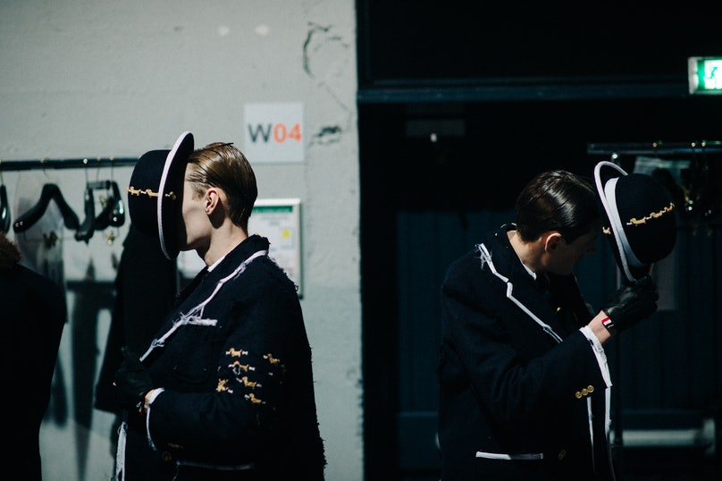 Le-21eme-Adam-Katz-Sinding-Backstage-Thom-Browne-Paris-Mens-Fashion-Week-Fall-Winter-2016-2017_AKS9107