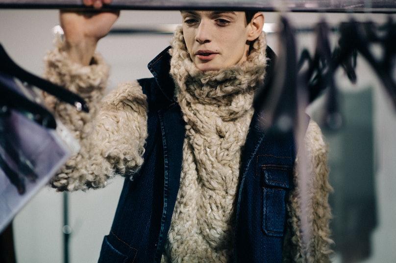 Le-21eme-Adam-Katz-Sinding-Backstage-Ann-Demeulemeester-Paris-Mens-Fashion-Week-Fall-Winter-2016-2017_AKS8753