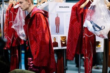 Yana-Davydova-Backstage-KENZO-Paris-Mens-Fashion-Week-Fall-Winter-2016-YD9829
