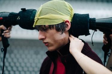 Le-21eme-Adam-Katz-Sinding-Backstage-Sacai-Paris-Mens-Fashion-Week-Fall-Winter-2016-2017_AKS2046
