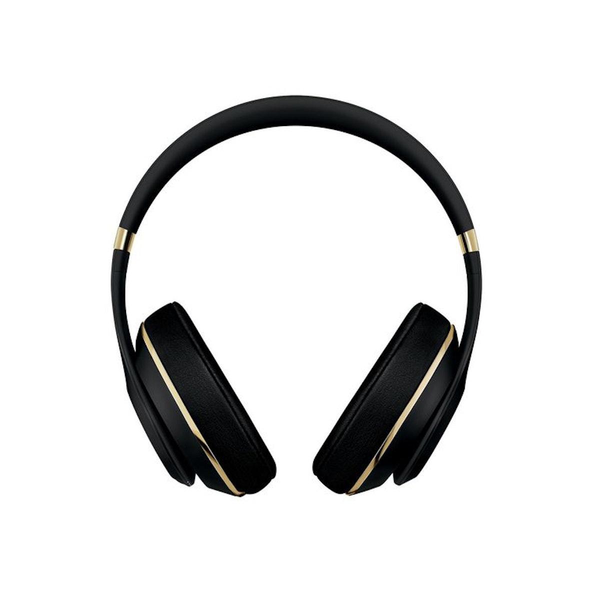4.-BEATS-X-ALEXANDER-WANG-$449-BEATSBYDRE.COM