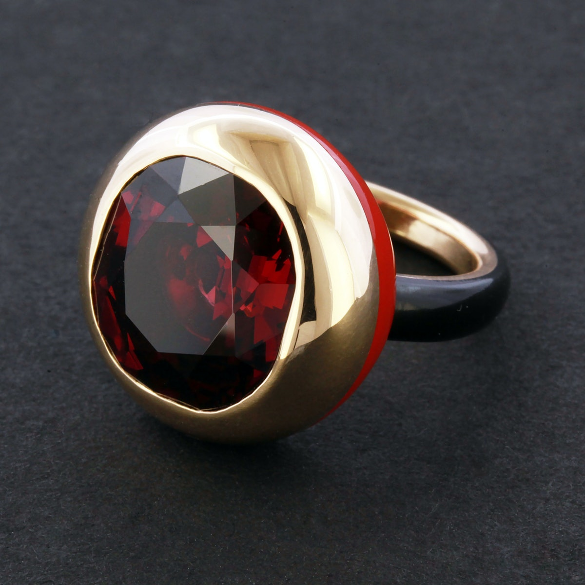 James-de-Givenchy-for-Taffin-Garnet-Rhodolite,-Red-and-Black-Ceramic-ring,-Price-Upon-Request,-at-www.taffin.com