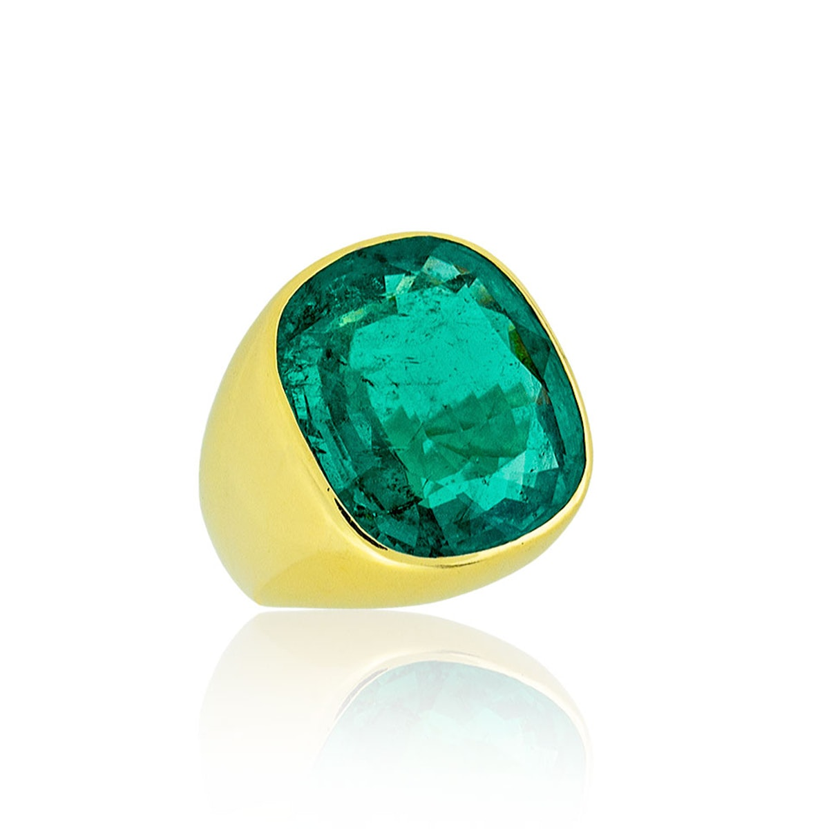 Suzanne-Belperron-at-Stephen-Russell-22-Carat-Colombian-Emerald-Ring,-Price-Upon-Request,-at-www.StephenRussell.com