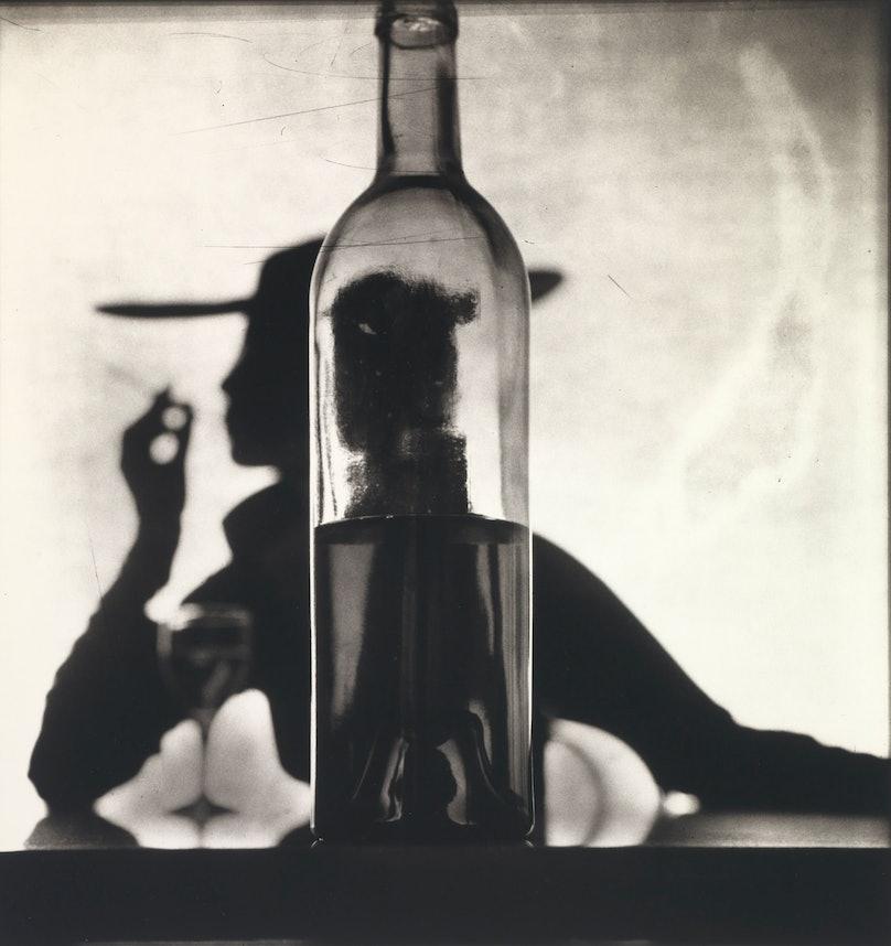 Irving Irving Penn Behind Bottle (Jean Patchett)