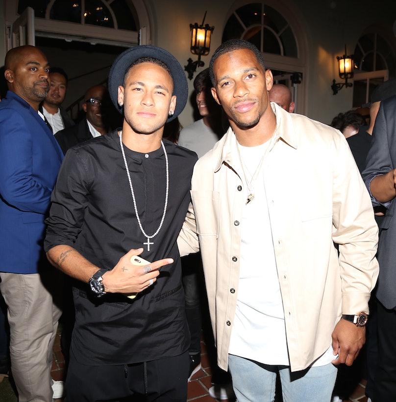 Neymar Jr., Victor Cruz