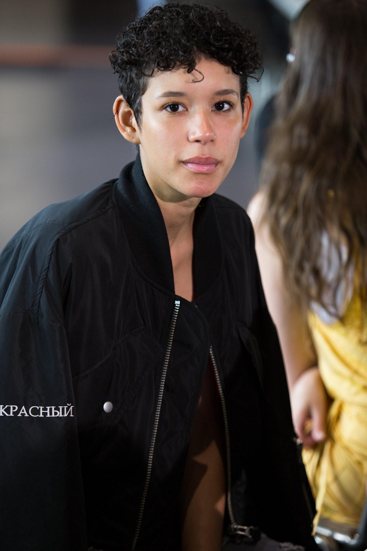 Versace Menswear Backstage Spring 2017