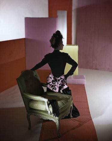 Dinner-suit-and-headdress-by-Schiaparelli-1947-«-Conde-Nast-Horst-Estate.jpg