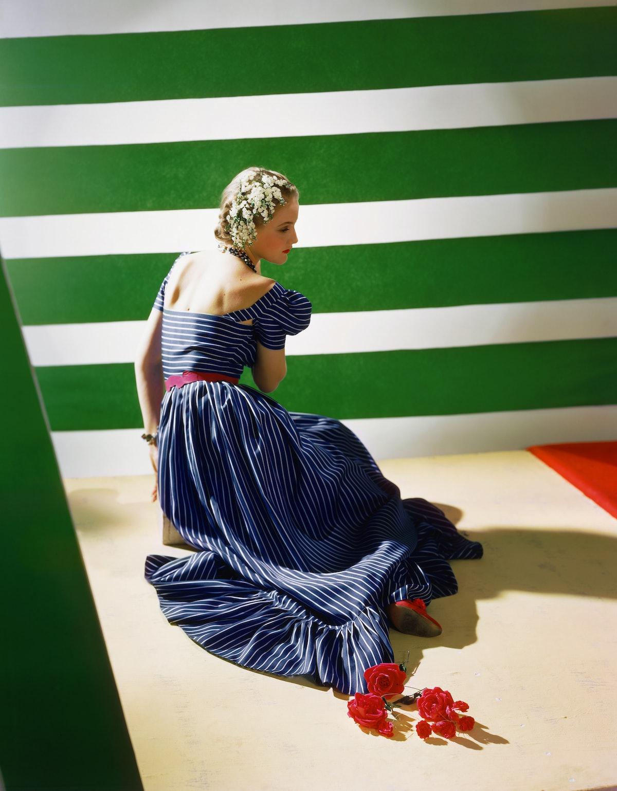 Dress-by-Hattie-Carnegie-1939-_Conde-Nast-Horst-Estate.jpg
