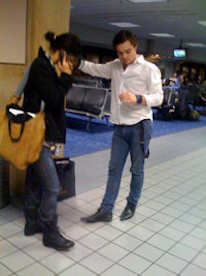 blog_Gossip_Airport-thumb-200x267.jpg