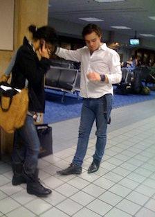 blog_gossip_airport2.jpg