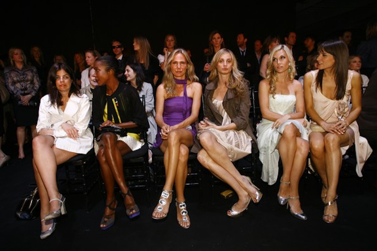 dior2008cruisecollectionfashionshowfront4skzzsk8yial.jpg